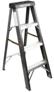 Werner 4-ft. Fiberglass Step Ladder