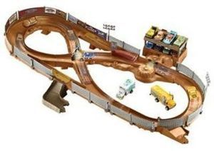 Disney Pixar Cars 3 Thunder Hollow Criss-Cross Trackset