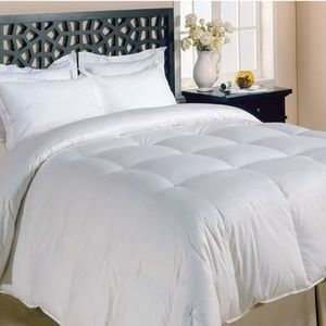 All-Season Microfiber Down Alternative Comforter